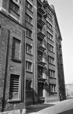 High St Wapping (C) 1981, Peter Marshall